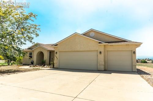 1394 W Alta Hacienda Drive, Pueblo West, CO 81007 (#2916513) :: Harling Real Estate