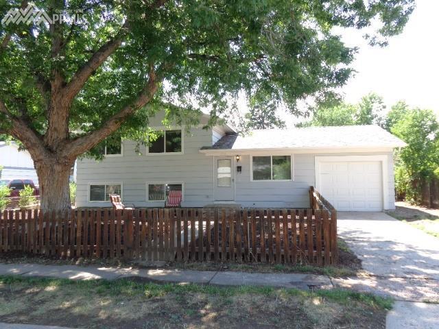 816 Bryce Drive, Colorado Springs, CO 80910 (#2979830) :: The Peak Properties Group