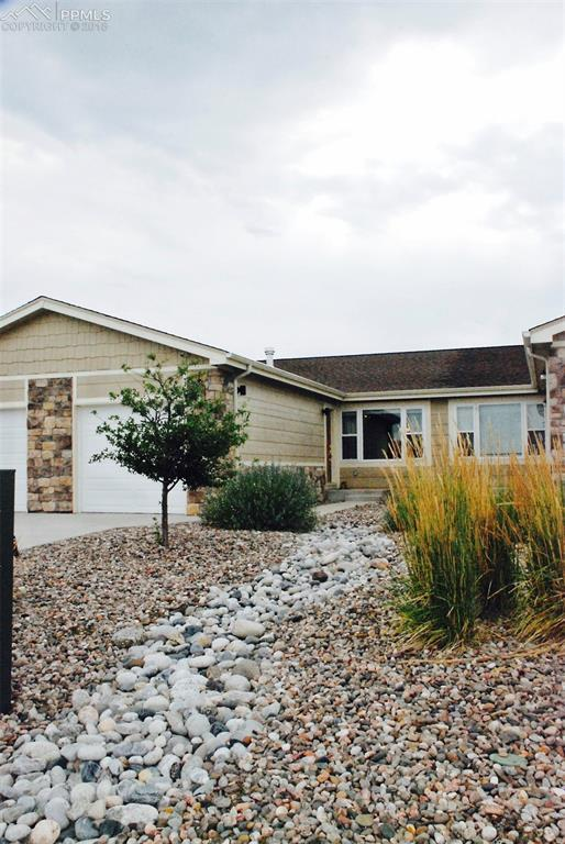 6522 Gelbvieh Road, Peyton, CO 80831 (#3019961) :: The Dunfee Group - Keller Williams Partners Realty