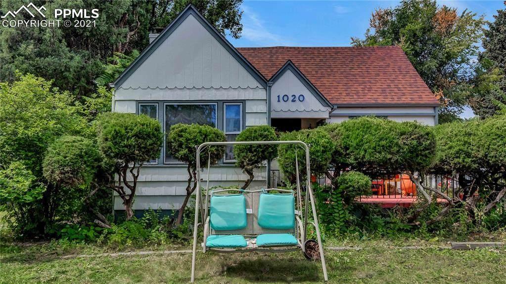 1020 Bonfoy Avenue - Photo 1