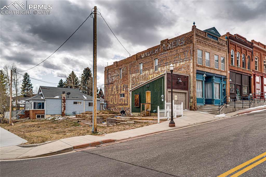 204 Victor Avenue - Photo 1