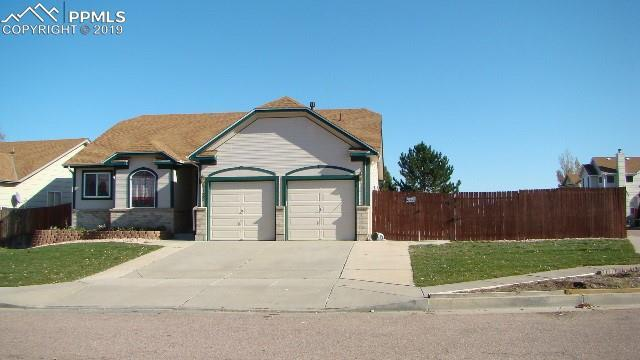 4125 Daylilly Drive, Colorado Springs, CO 80916 (#3466684) :: HomePopper