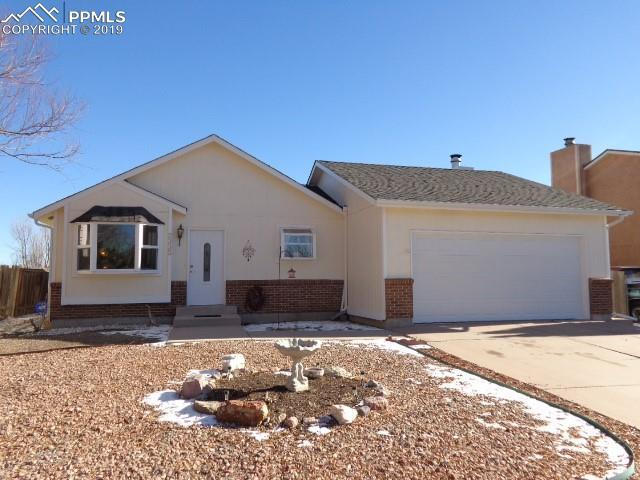 2335 Heathercrest Drive, Colorado Springs, CO 80915 (#3527687) :: The Daniels Team