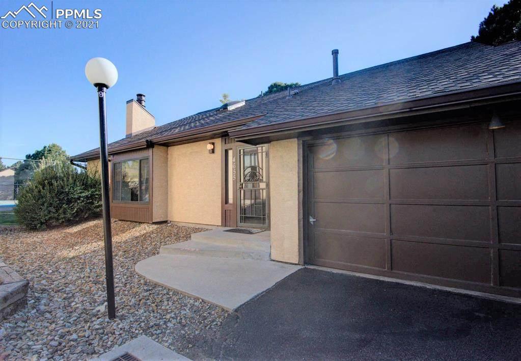 4655 Winewood Village Drive - Photo 1