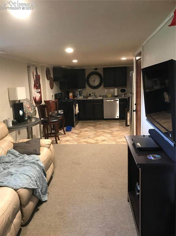 1020 Bonfoy Avenue, Colorado Springs, CO 80909 (#3882374) :: Venterra Real Estate LLC