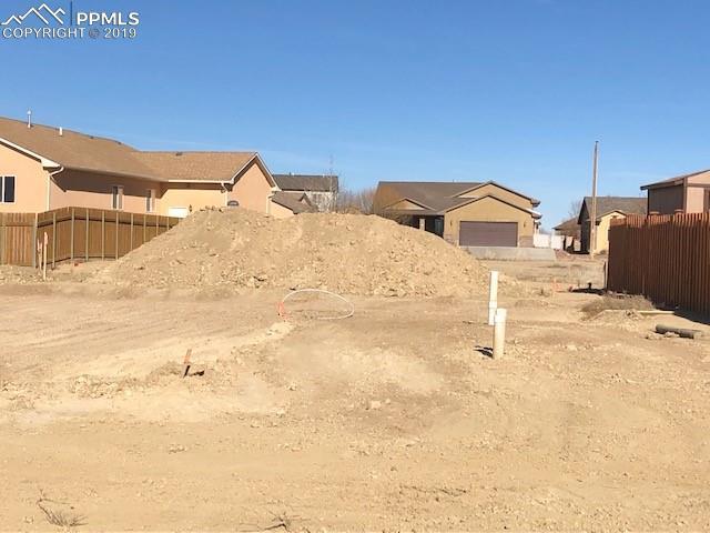 5736 Sawyer Ridge Drive, Pueblo, CO 81008 (#3984986) :: 8z Real Estate