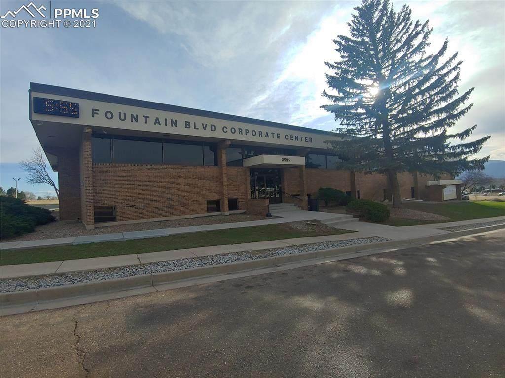 3595 Fountain Boulevard - Photo 1