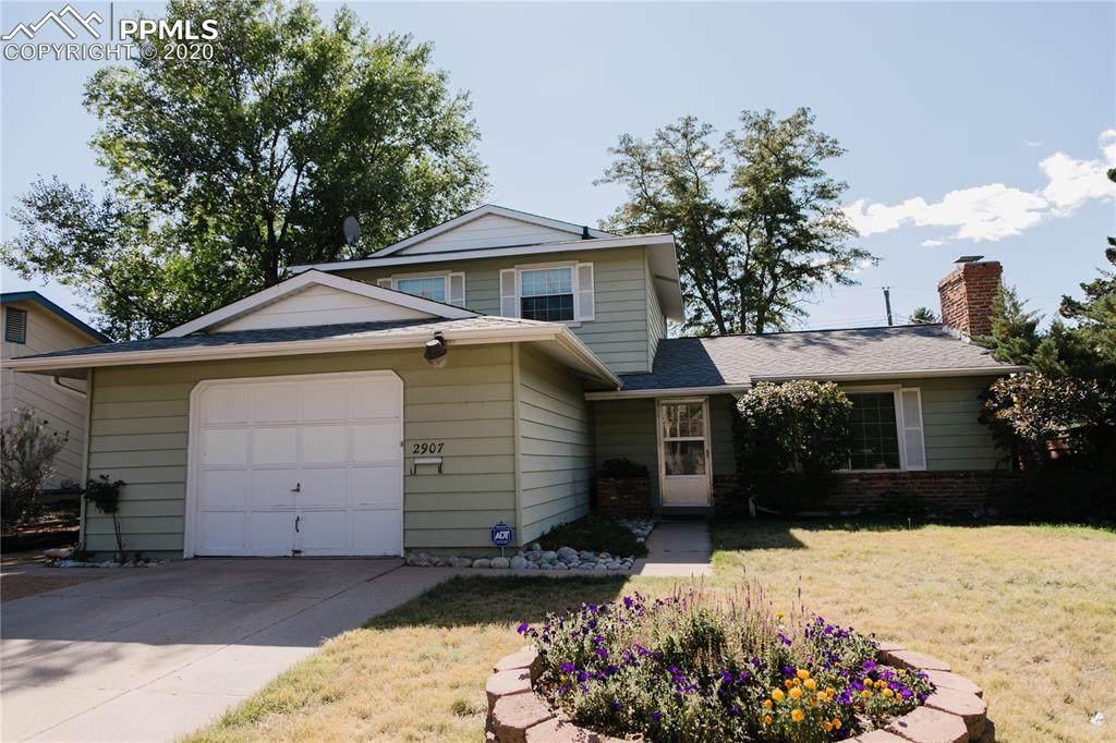 2907 Greenwood Circle - Photo 1