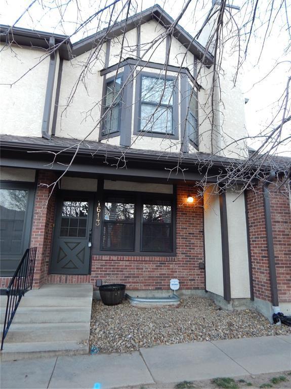 1613 Carnavon Place, Colorado Springs, CO 80919 (#4608985) :: The Hunstiger Team