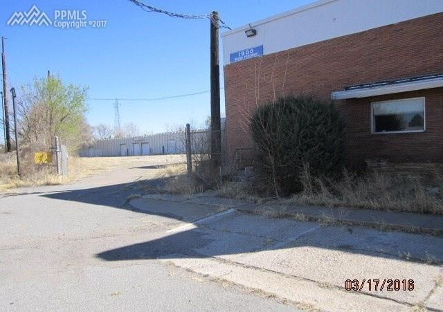 1900 S Freeway Avenue, Pueblo, CO 81004 (#4761462) :: 8z Real Estate