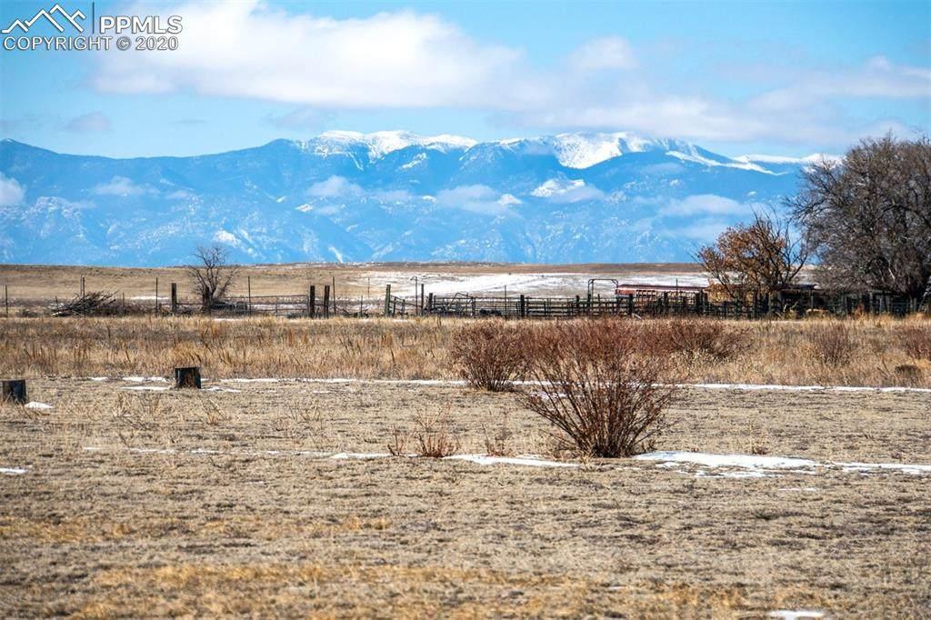 6060 Coyote Lane - Photo 1