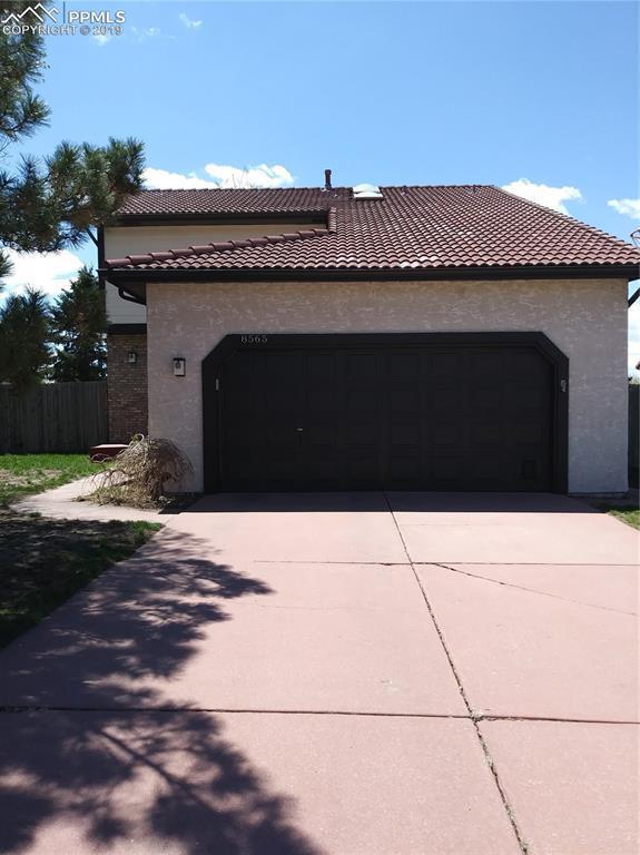 8565 Contrails Drive, Colorado Springs, CO 80920 (#4894225) :: Fisk Team, RE/MAX Properties, Inc.