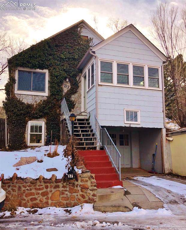 37 Fountain Place, Manitou Springs, CO 80829 (#5064998) :: Perfect Properties powered by HomeTrackR