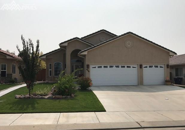 4918 Almondcrest Drive, Pueblo, CO 81005 (#5194907) :: 8z Real Estate
