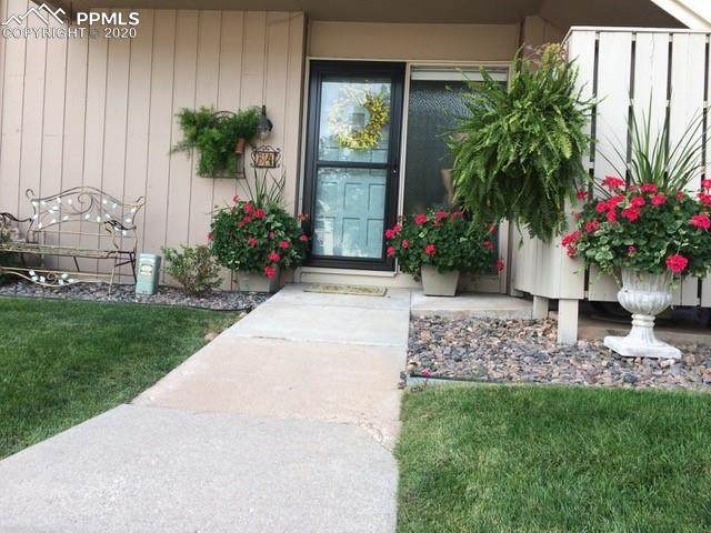5206 Kissing Camels Drive B4, Colorado Springs, CO 80904 (#5702048) :: The Kibler Group