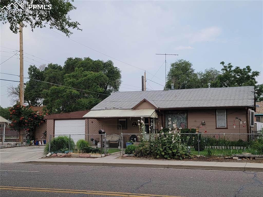 815 Troy Avenue - Photo 1