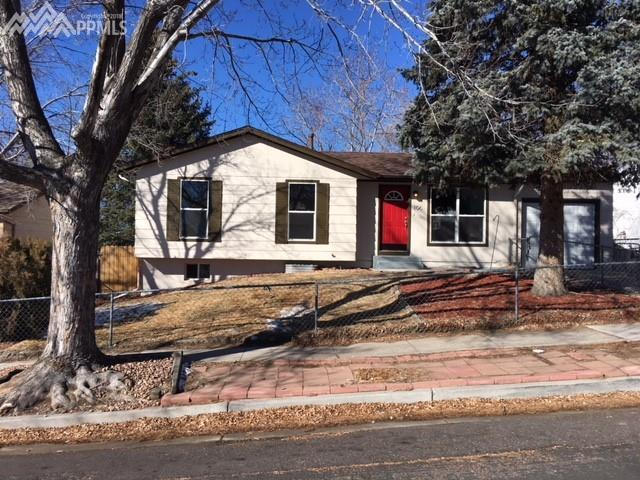 106 Frost Lane, Colorado Springs, CO 80916 (#6518958) :: RE/MAX Advantage