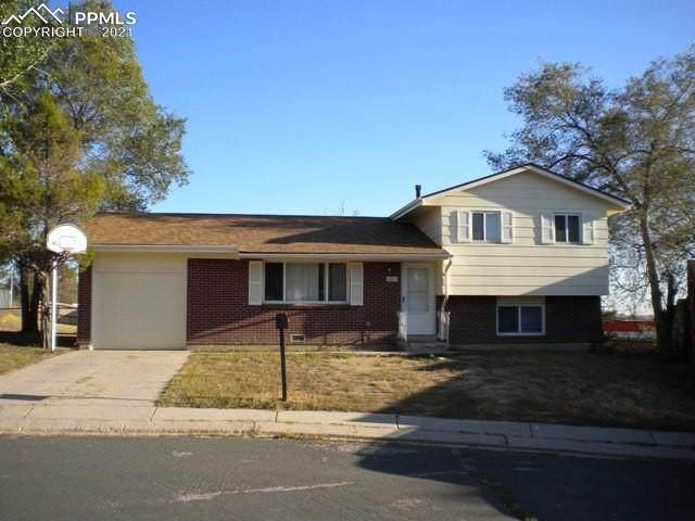 2923 Dakota Drive, Colorado Springs, CO 80910 (#7279289) :: The Kibler Group