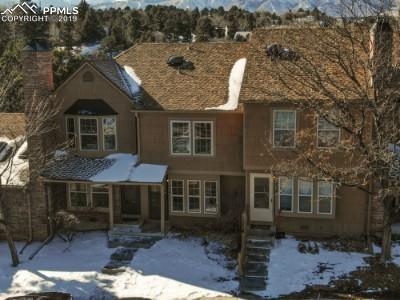 454 Rolling Hills Drive, Colorado Springs, CO 80919 (#8317466) :: The Hunstiger Team