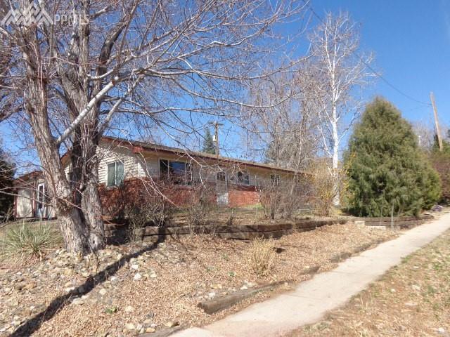 1410 Newcastle Street, Colorado Springs, CO 80907 (#8359147) :: The Hunstiger Team