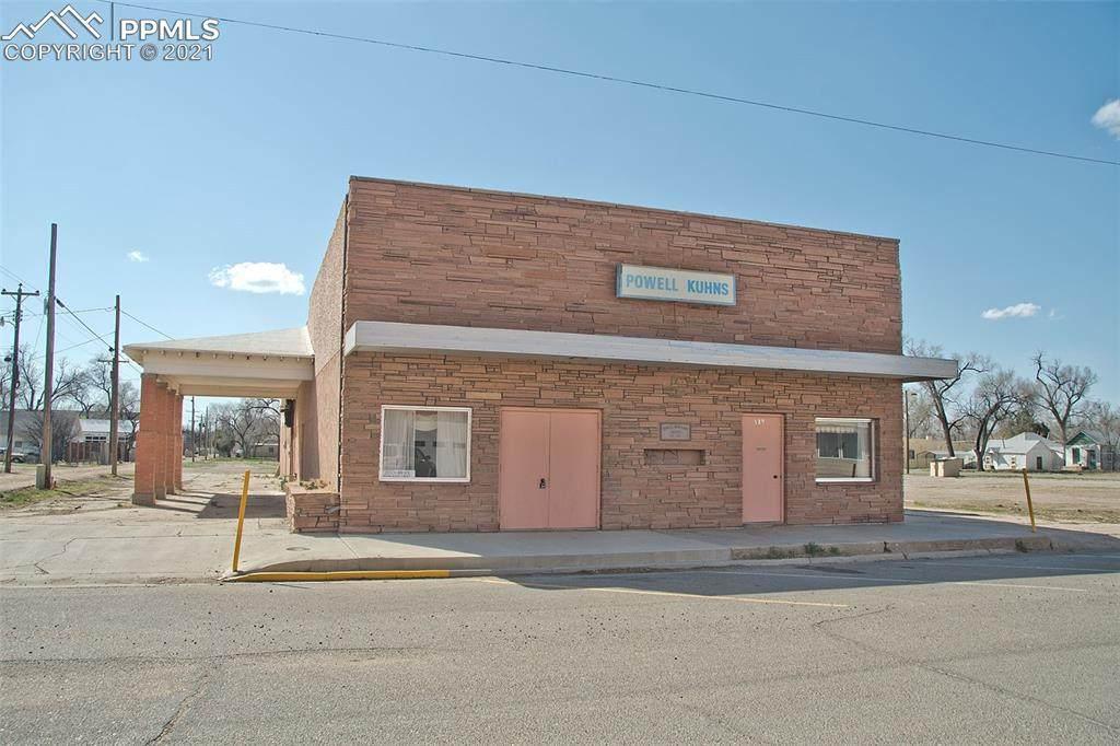 529 Carson Avenue - Photo 1