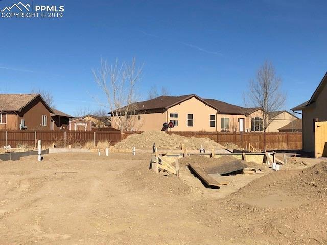 5724 Sawyer Ridge Drive, Pueblo, CO 81008 (#9583788) :: 8z Real Estate