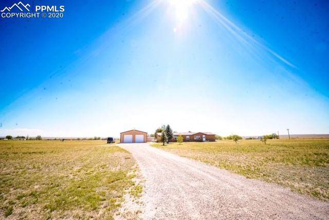 2455 E Ellicott Road, Calhan, CO 80808 (#3920915) :: Tommy Daly Home Team