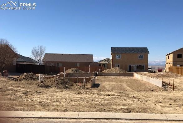 5811 Sam Clemens Court, Pueblo, CO 81008 (#2282547) :: Tommy Daly Home Team