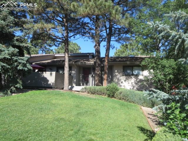 6040 Castlewood Lane, Colorado Springs, CO 80918 (#4301214) :: 8z Real Estate