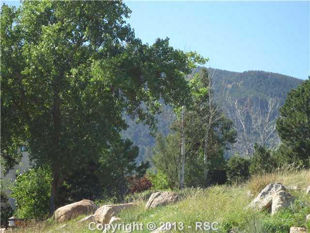 4040 Wakefield Drive, Colorado Springs, CO 80906 (#724141) :: The Hunstiger Team
