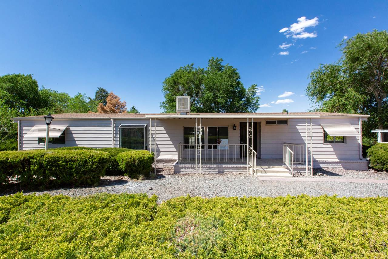 1375 Lakeview Road - Photo 1