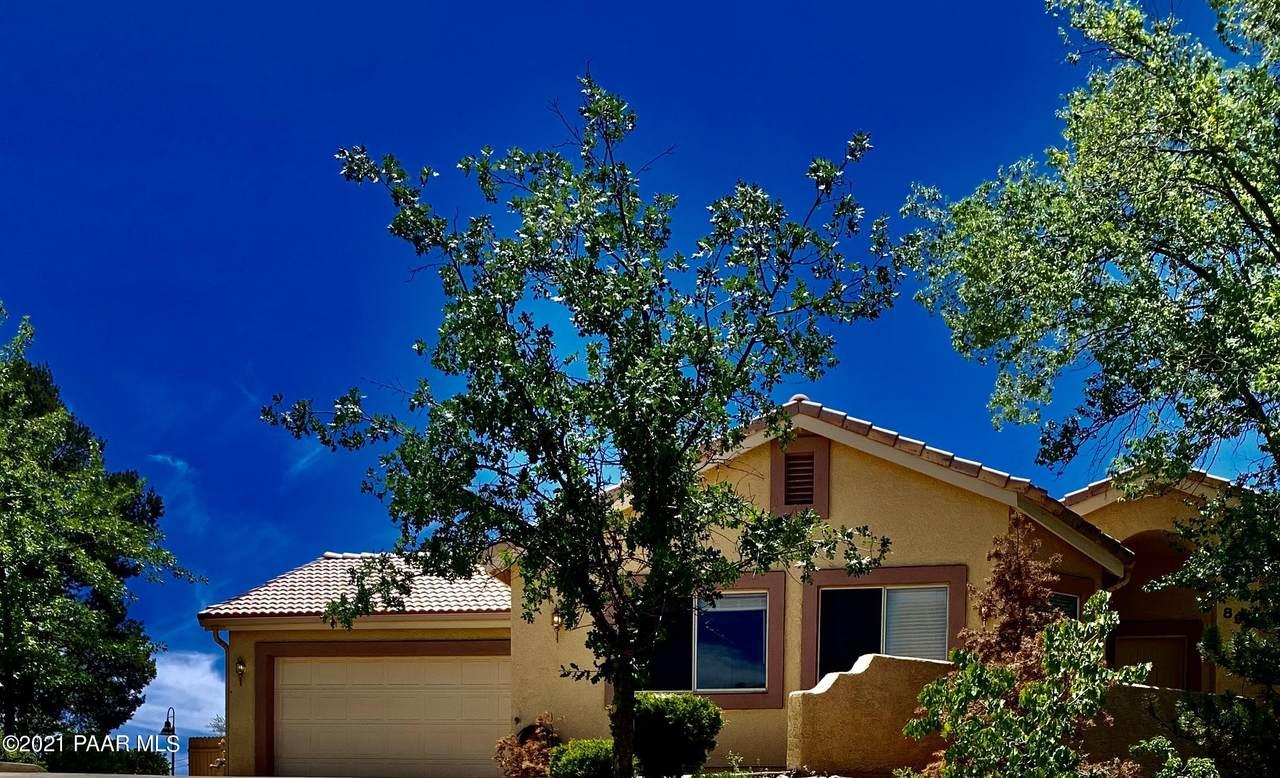 897 Whispering Oak Drive - Photo 1