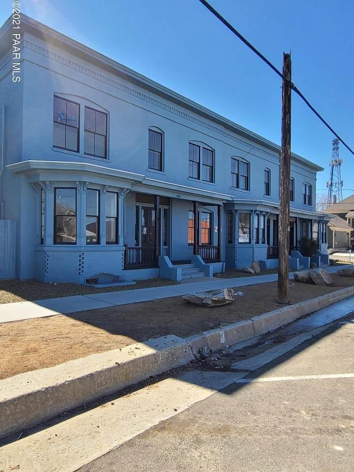 215 Willis Street - Photo 1