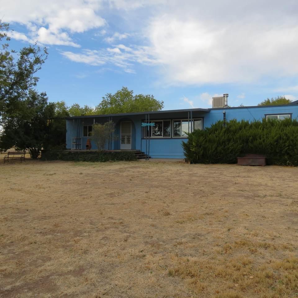 1096 El Rancho Road - Photo 1