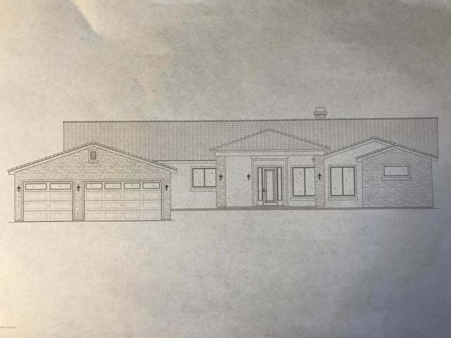 5400 W Edith Circle, Prescott, AZ 86305 (#1008211) :: HYLAND/SCHNEIDER TEAM