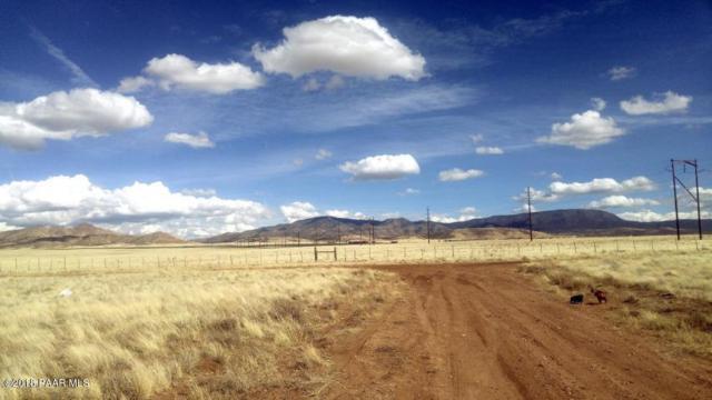 0 N Antelope Meadows, Prescott Valley, AZ 86315 (#1010333) :: HYLAND/SCHNEIDER TEAM