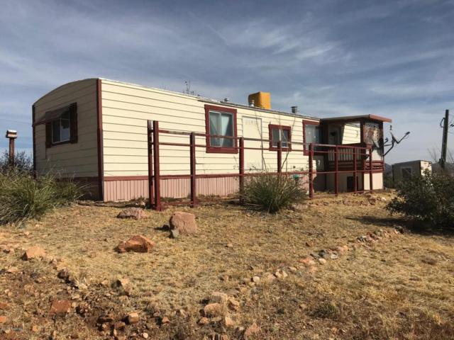 10550 E Janet Way, Dewey-Humboldt, AZ 86327 (#1010394) :: HYLAND/SCHNEIDER TEAM