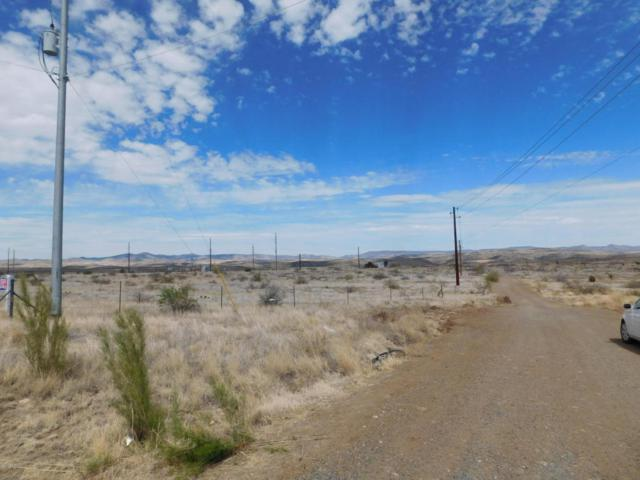 14429 S Cross L Road, Cordes Junction, AZ 86333 (#1011845) :: Shelly Watne