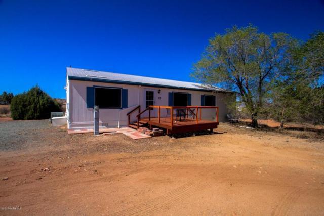 9550 E Marilyn Lane, Dewey-Humboldt, AZ 86327 (#1012108) :: HYLAND/SCHNEIDER TEAM