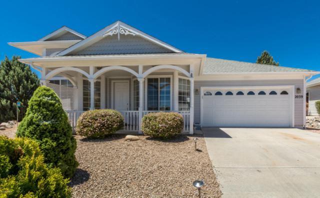 2039 N Oxford, Prescott Valley, AZ 86314 (#1012804) :: HYLAND/SCHNEIDER TEAM