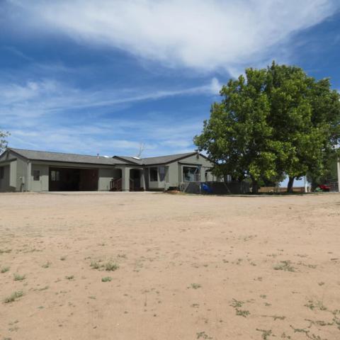 725 S Johnson Lane, Chino Valley, AZ 86323 (#1012815) :: HYLAND/SCHNEIDER TEAM
