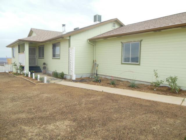 925 S Wicklow Place, Dewey-Humboldt, AZ 86327 (#1013044) :: HYLAND/SCHNEIDER TEAM