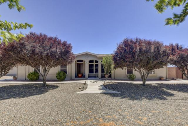 845 S Johnson Lane, Chino Valley, AZ 86323 (#1013600) :: HYLAND/SCHNEIDER TEAM