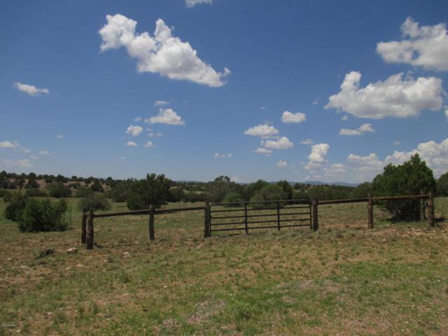 7855 W Pasture Lane, Prescott, AZ 86305 (#1014462) :: HYLAND/SCHNEIDER TEAM