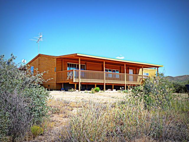 1675 N Ark Landing, Dewey-Humboldt, AZ 86327 (#1015645) :: HYLAND/SCHNEIDER TEAM