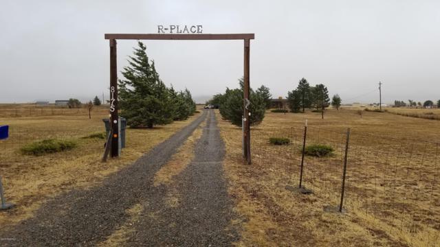 8175 N Coyote Springs Road, Prescott Valley, AZ 86315 (#1015933) :: HYLAND/SCHNEIDER TEAM