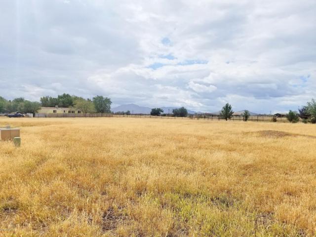 220 Kendall Court, Chino Valley, AZ 86323 (#1016057) :: HYLAND/SCHNEIDER TEAM