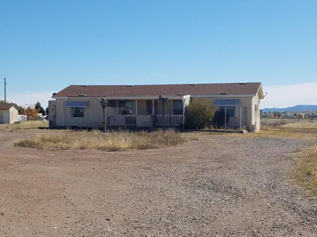 8825 E Saddlehorn Trail, Prescott Valley, AZ 86315 (#1016718) :: HYLAND/SCHNEIDER TEAM