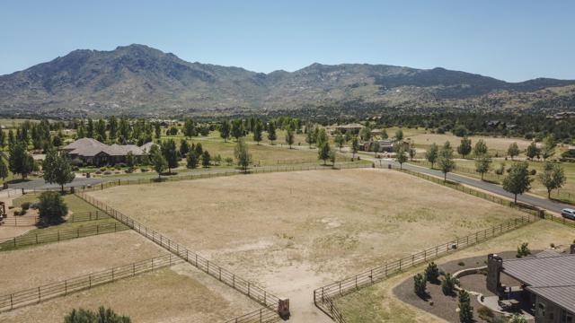 4250 W Latham Circle, Prescott, AZ 86305 (#1016784) :: HYLAND/SCHNEIDER TEAM