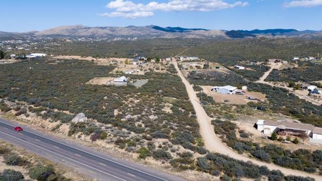 250 S Jay Bird Lane, Dewey-Humboldt, AZ 86327 (#1016858) :: The Kingsbury Group